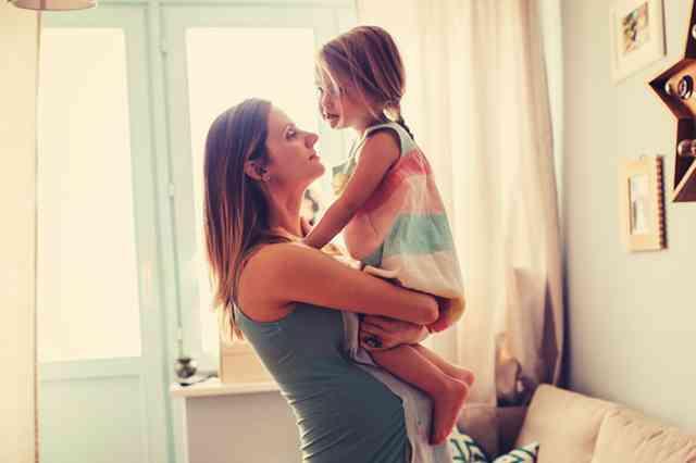 意外とやっている! 子どもの前で絶対すべきでない6つのNG行動 | 女子力アップCafe Googirl