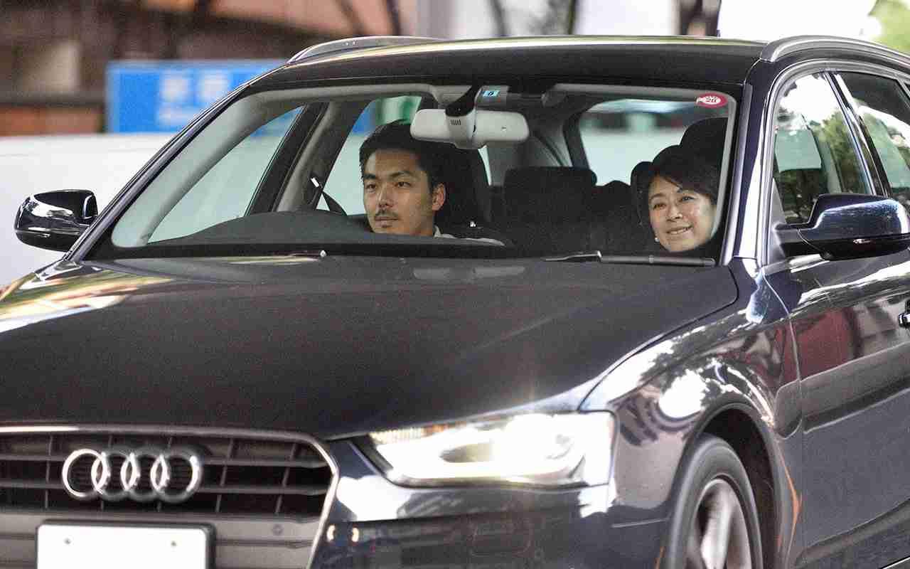 山尾志桜里 幹事長撤回の理由は「9歳下弁護士との禁断愛」 | 文春オンライン
