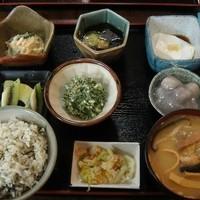 琉球料理 ふみや 本店 - 県庁前/沖縄料理 [食べログ]