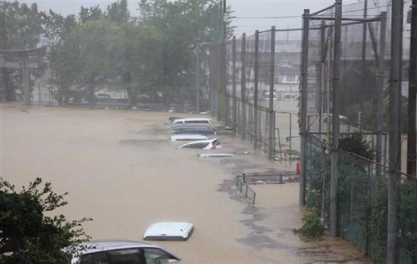 水没の車から男性遺体=台風影響で川転落か-高知