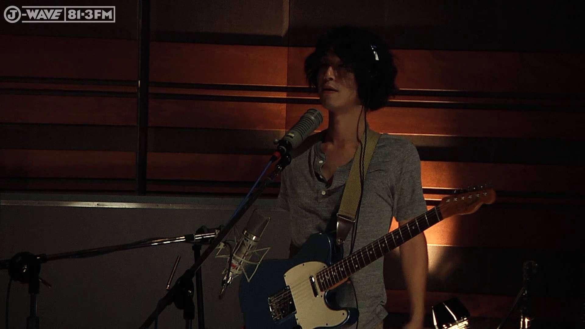GRAPEVINE - 光について  (J-WAVE/Hello World studio live) - YouTube