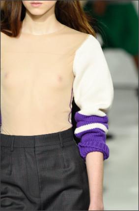 """カルバン・クラインの""""裸セーター""""は二度見するしかない"""