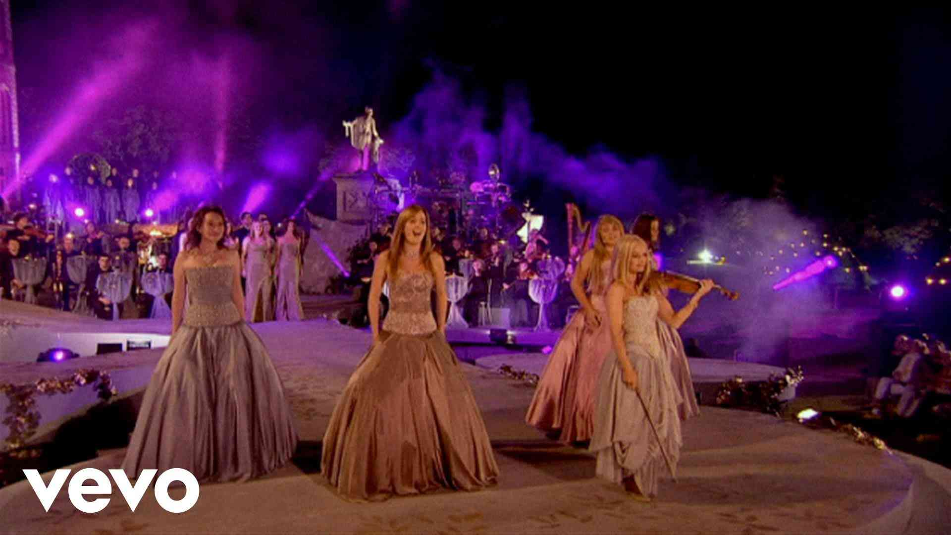 Celtic Woman - You Raise Me Up - YouTube