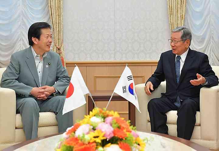 日韓関係の発展へ尽力   ニュース   公明党