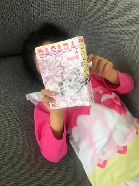 海老蔵、長女・麗禾さんが麻央さんの愛読書を読む姿を公開「ママと同じ事を感じてもらえたら」
