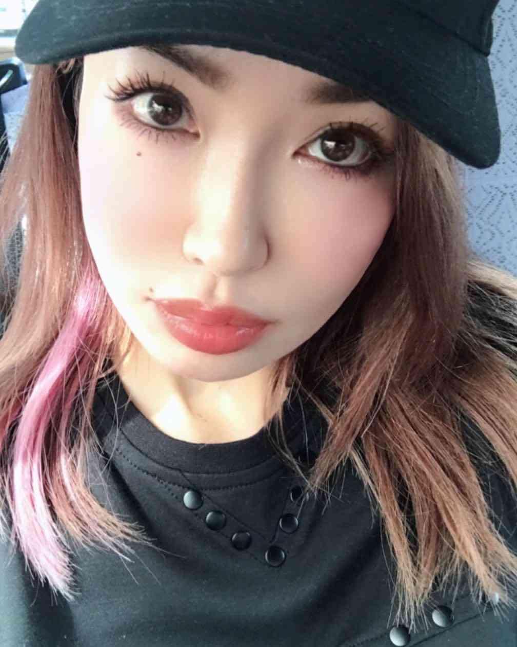 平子理沙、11歳当時の写真にも美魔女の風格が?「すでに完成してる」の声