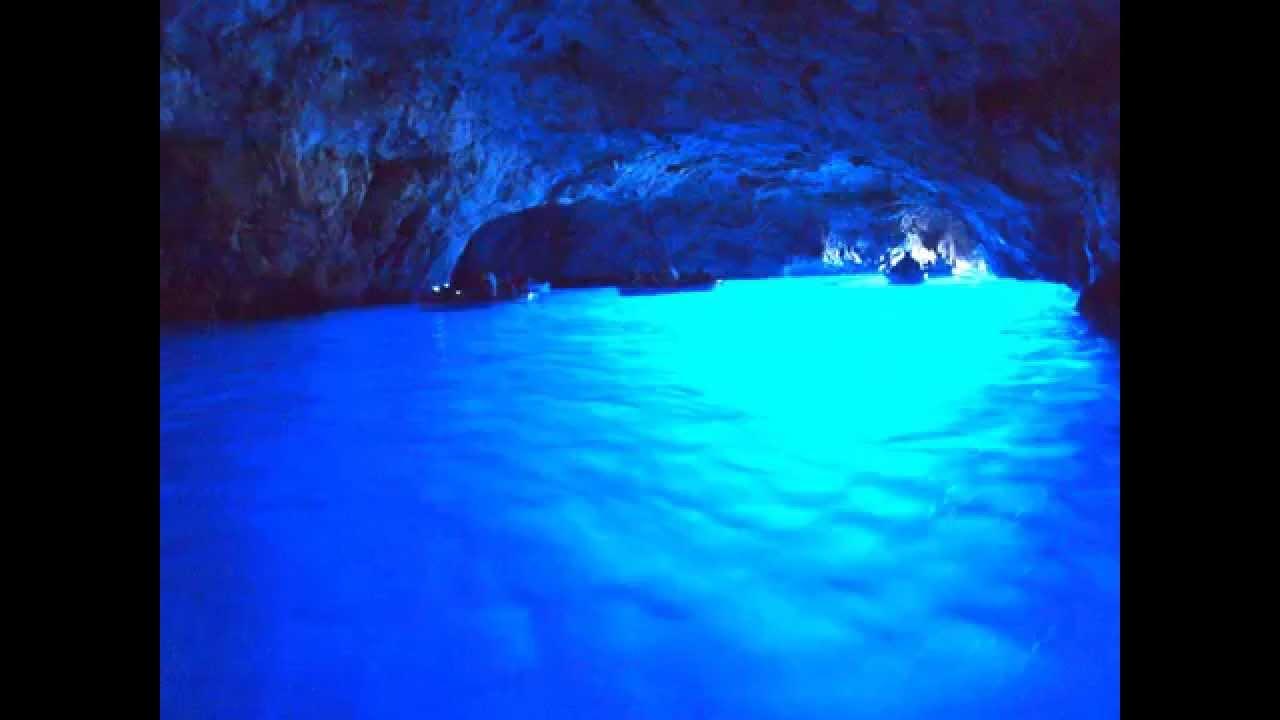 【ヒーリング】洞窟を流れる川【睡眠・瞑想・集中力の維持・α波】(Healing of a natural sound.The river which flows through a cave.) - YouTube