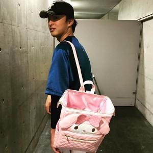 """【日本ハム】大谷翔平""""マイメロバッグ""""姿を初披露"""