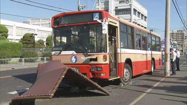 路線バス運転手が意識失う 乗客がハンドル操作し停車 兵庫 | NHKニュース