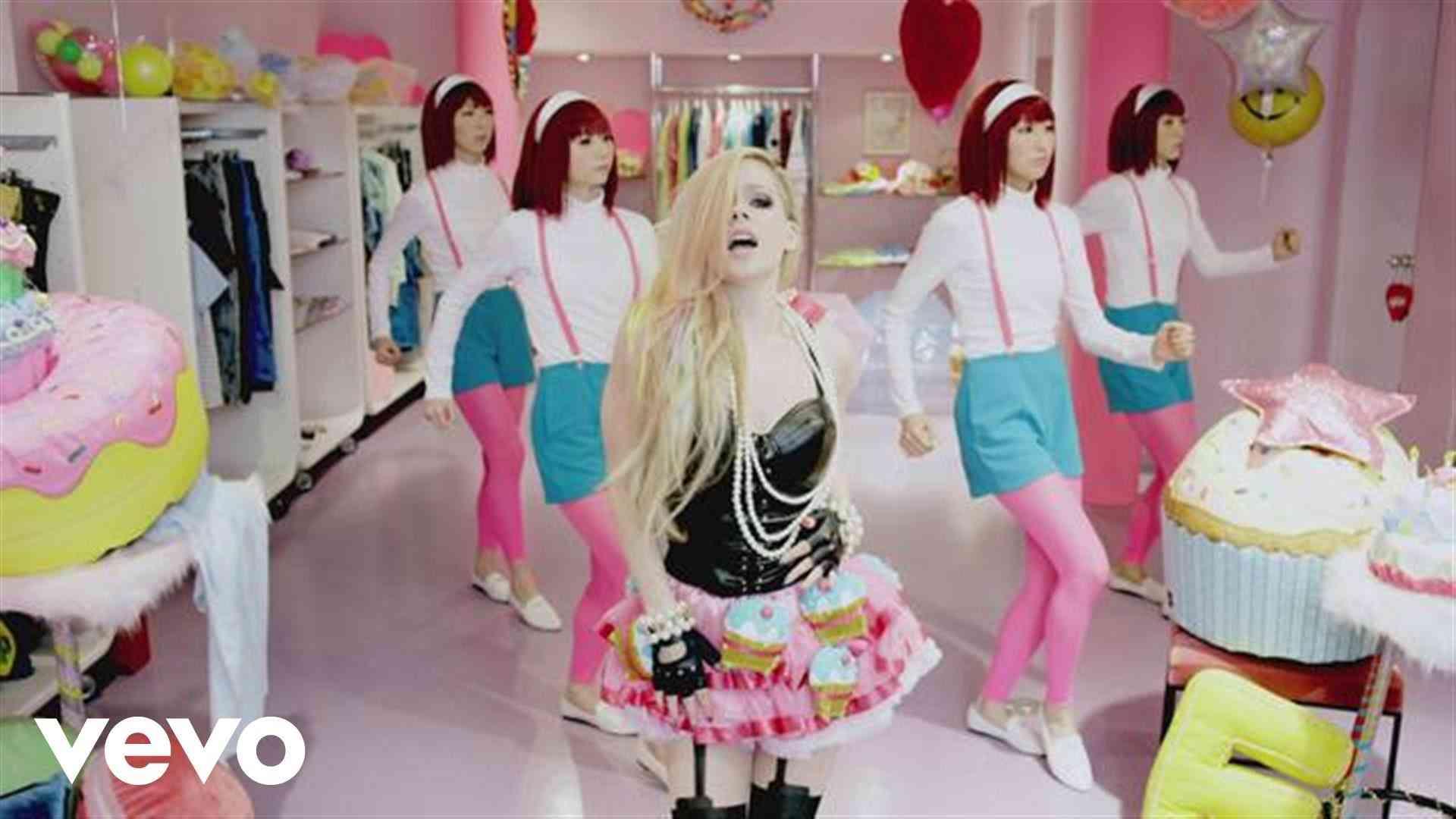 Avril Lavigne - Hello Kitty - YouTube