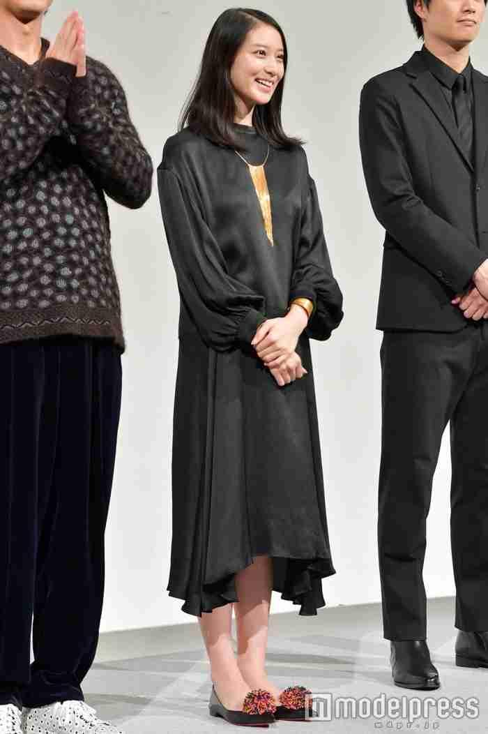 武井咲、結婚&妊娠発表後初の公の場 祝福の声飛ぶ