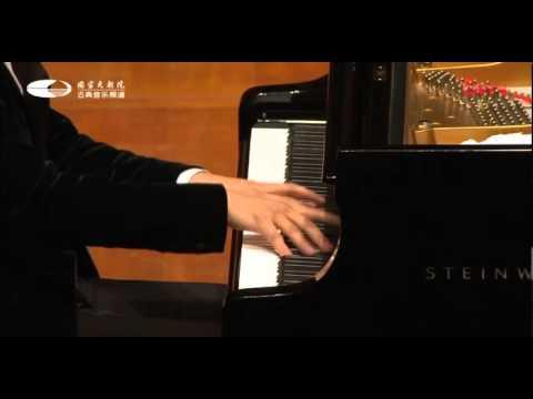 Lang Lang Franz Liszt - La Campanella  2012 - YouTube