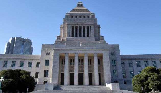 与党300議席に迫る勢い 衆院選序盤情勢  :日本経済新聞