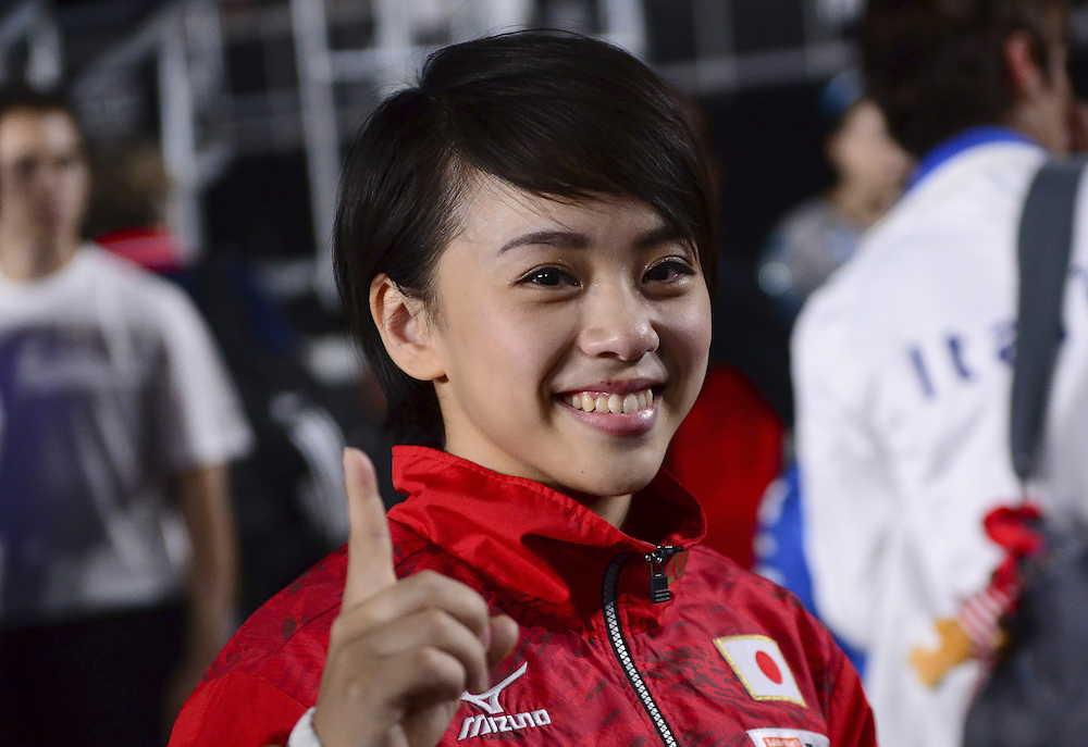 村上茉愛、日本女子初の床運動金メダル!