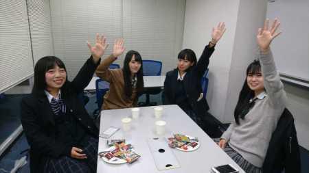 「渋谷JK会議」緊急開催 新有権者が「3極」3党首の弱点に切り込む (スポニチアネックス) - Yahoo!ニュース