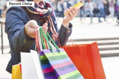 訪日中国人の最新の爆買い対象は「折り畳み傘」―中国メディア
