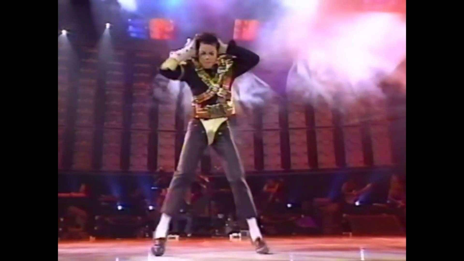 Michael Jackson Dangerous Tour Amazing Dance Moves - YouTube