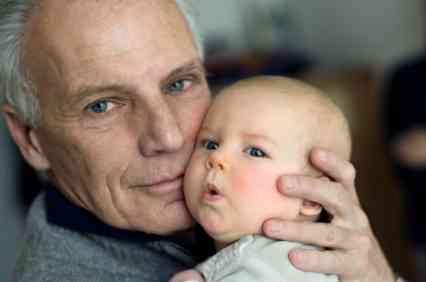 【健百】高齢での子作り、男性も気を付けるべき? アイスランド研究 | あなたの健康百科