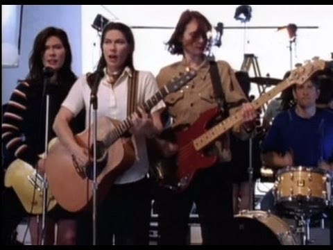 The Breeders - Cannonball - YouTube