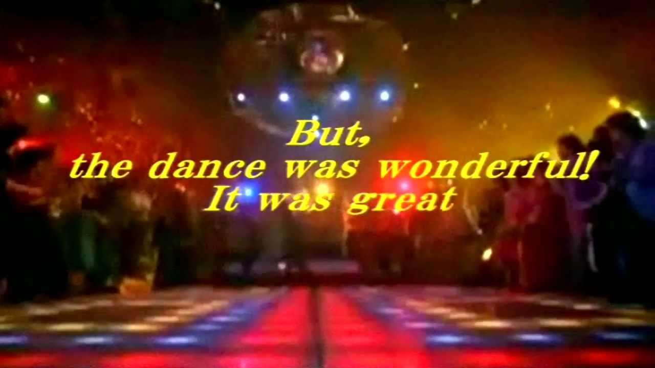 Saturday Night Fever(サタデー・ナイト・フィーバー)-John Travolta - YouTube