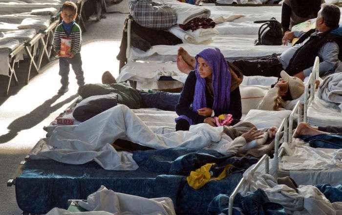 ドイツ、食べ物をめぐって難民300人が乱闘 - Sputnik 日本