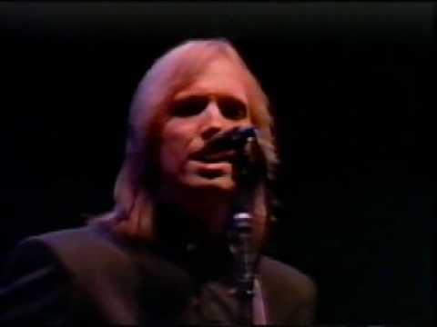 Tom Petty American Girl Live 1985 - (Best Version) - YouTube