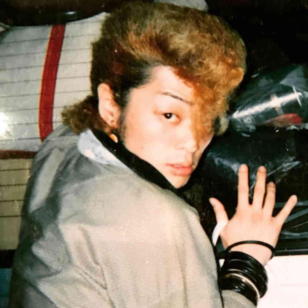 氣志團・綾小路翔、17年前の写真公開し話題