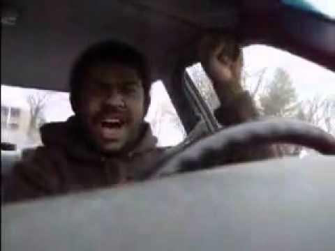 吹いたら負け 謎の黒人による爆笑 - YouTube