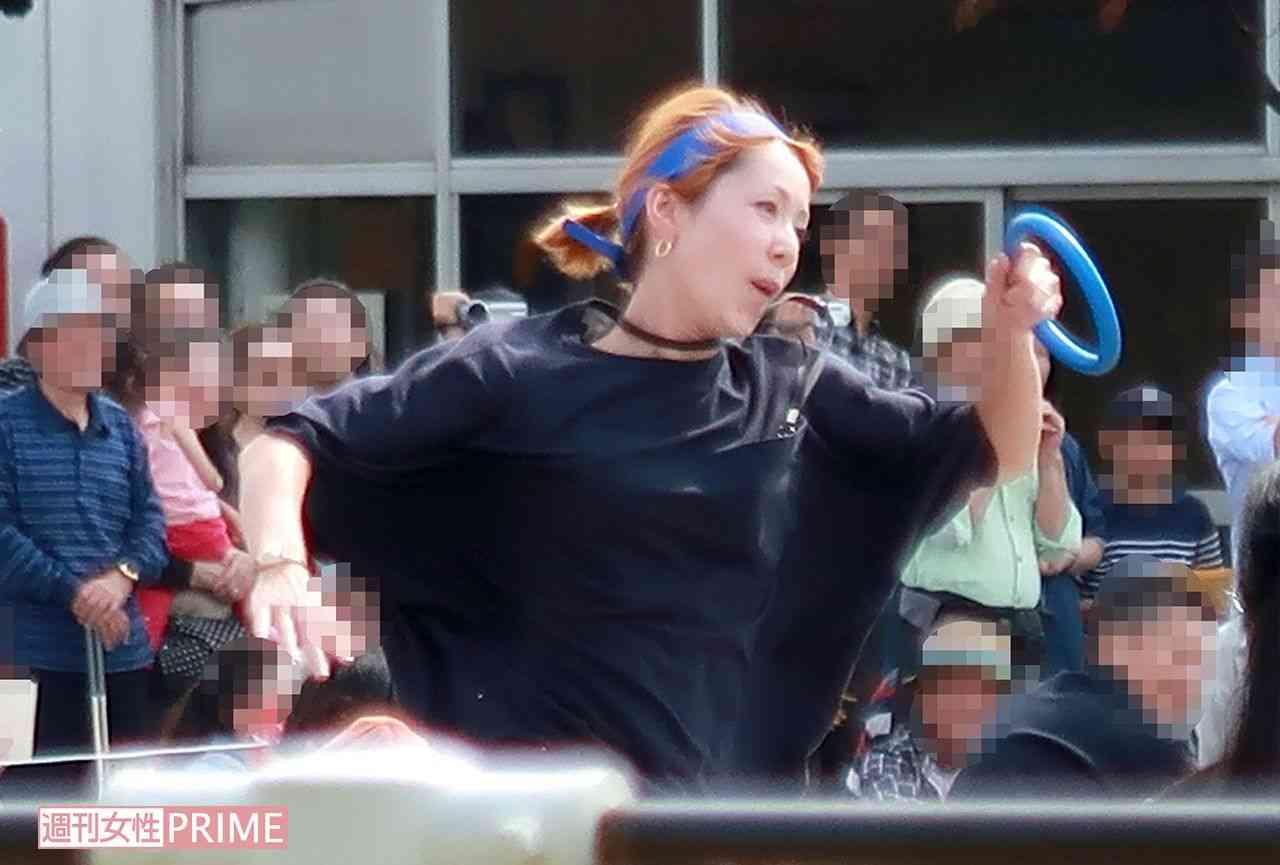 木村カエラが疾走! セレブ幼稚園の運動会に参加した父母「まるでバタフライ」 | 週刊女性PRIME [シュージョプライム] | YOUのココロ刺激する
