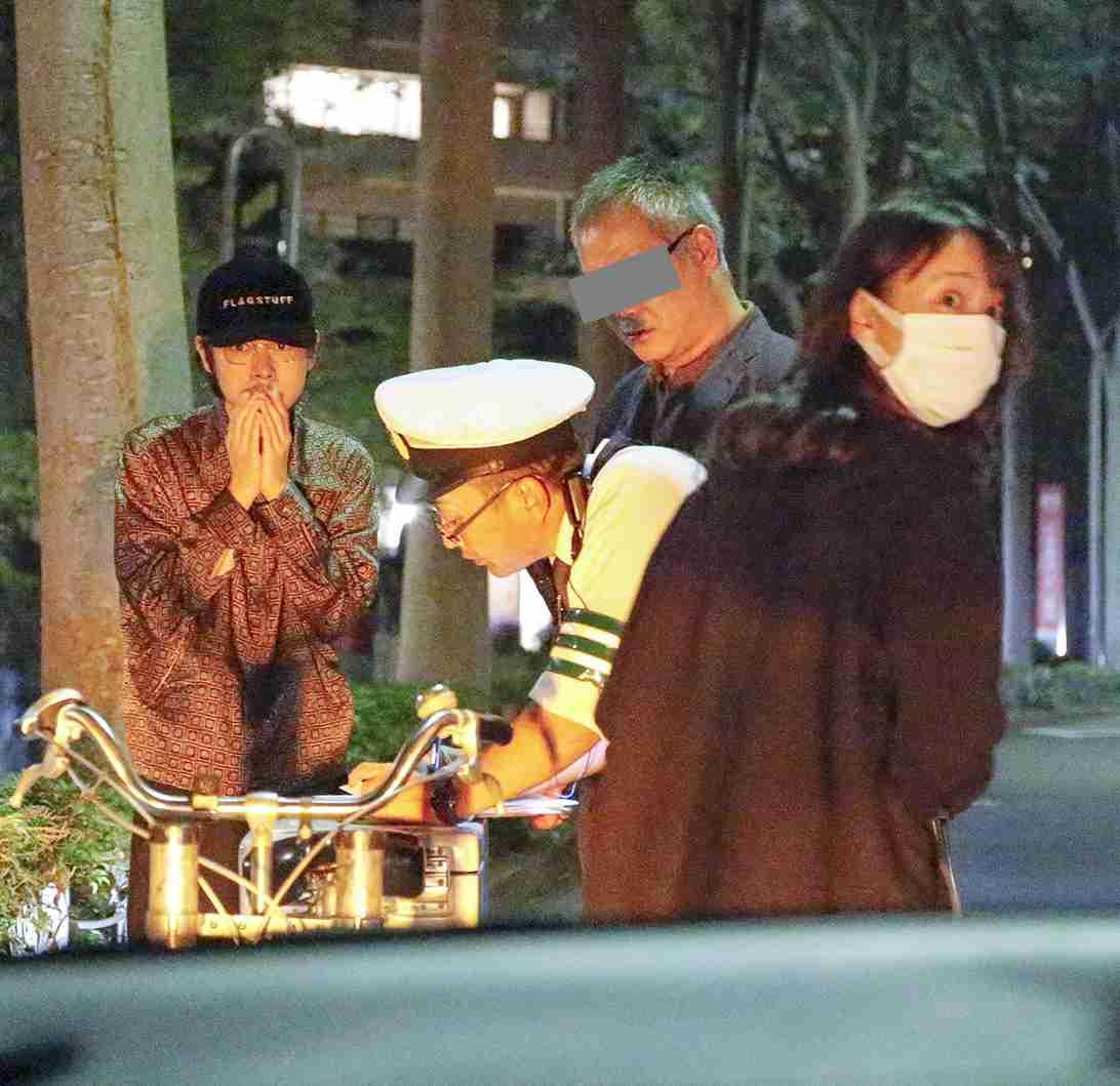 戸田恵梨香&成田凌「ドライブデート中に本誌ハリコミ車に接触事故!」 (FRIDAY) - Yahoo!ニュース