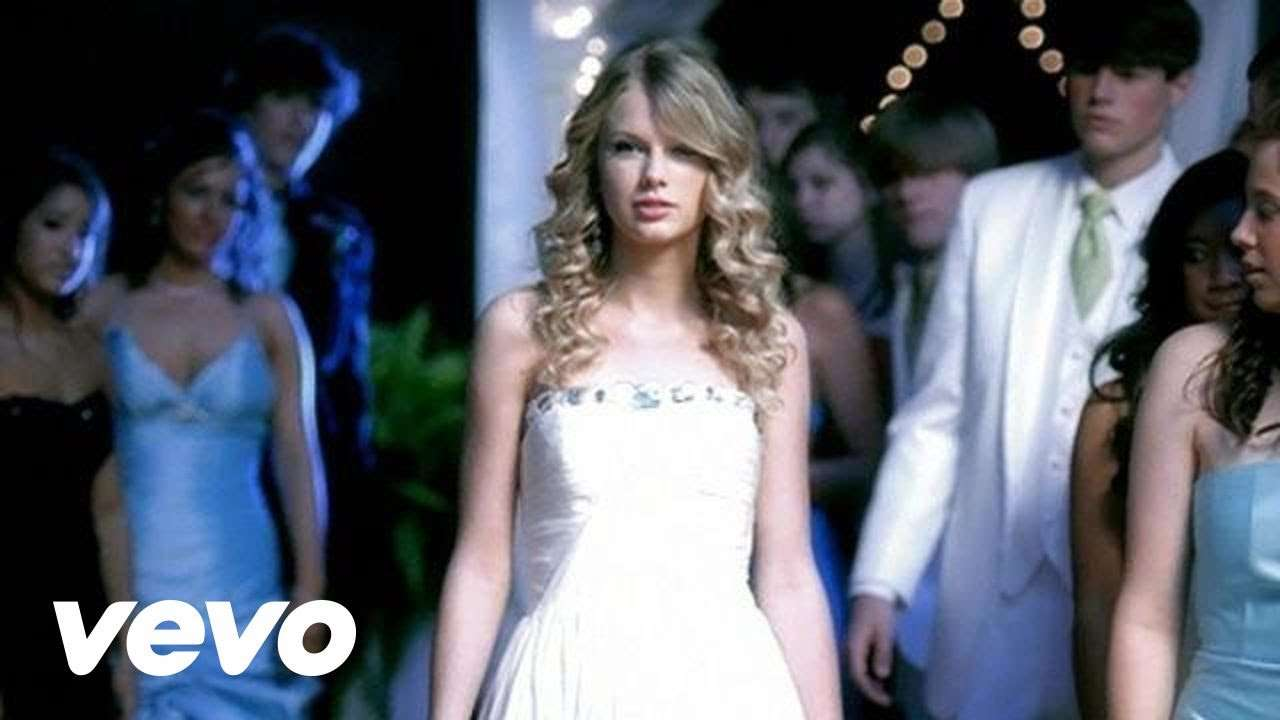 Taylor Swift - You Belong With Me - YouTube
