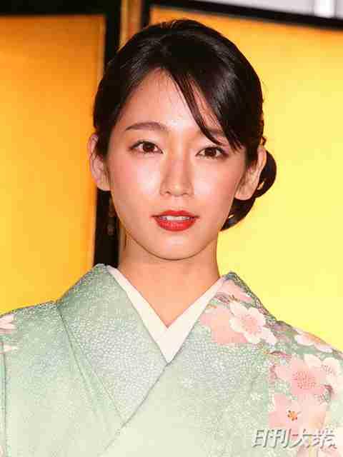 吉岡里帆に映画界からラブコールが急増 吉永小百合のような女優になるのではと期待|ニフティニュース