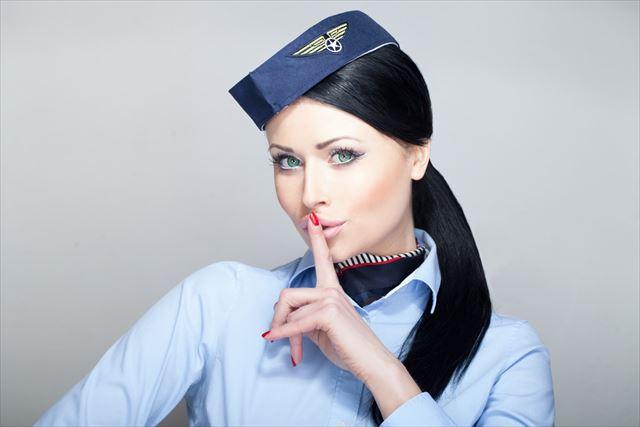 あなたも知っておいた方がいい、CAが機内でコーヒーや紅茶を飲まない理由 | TABIZINE~人生に旅心を~