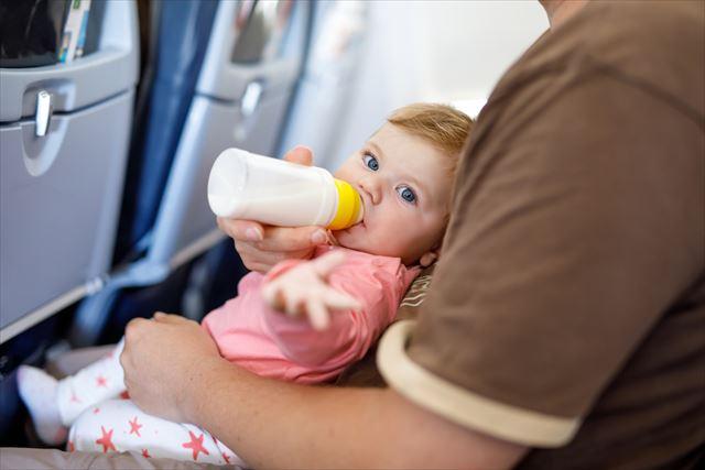 あなたも知っておいた方がいい「飛行機内の真実」…CAが機内でコーヒーや紅茶を飲まない理由
