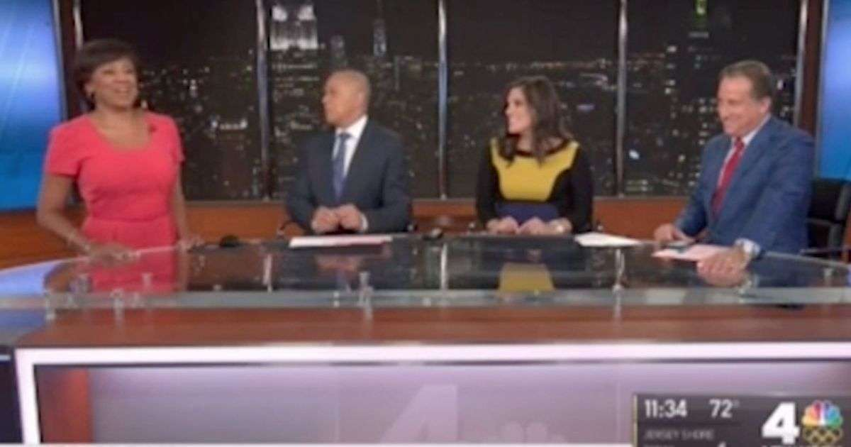 Pregnant news anchor's waters break live on air but she calmly finishes her segment - Mirror Online