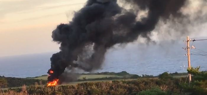 沖縄で米軍ヘリCH53炎上 「東村高江で墜落」と通報   沖縄タイムス+プラス ニュース   沖縄タイムス+プラス