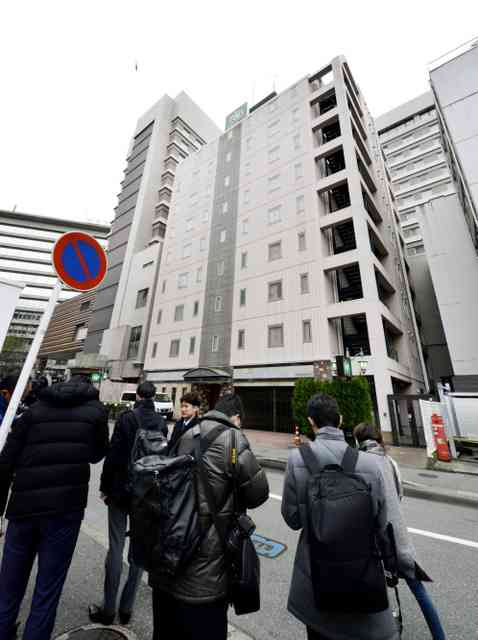 男が女性従業員を監禁しホテルに立てこもる 7階から飛び降り死亡 福岡