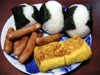おにぎり写真投稿、1枚が100円の給食に 活動始まる