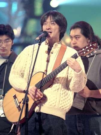 オザケン、21年ぶり紅白内定 人気アーティストと夢コラボも (スポニチアネックス) - Yahoo!ニュース