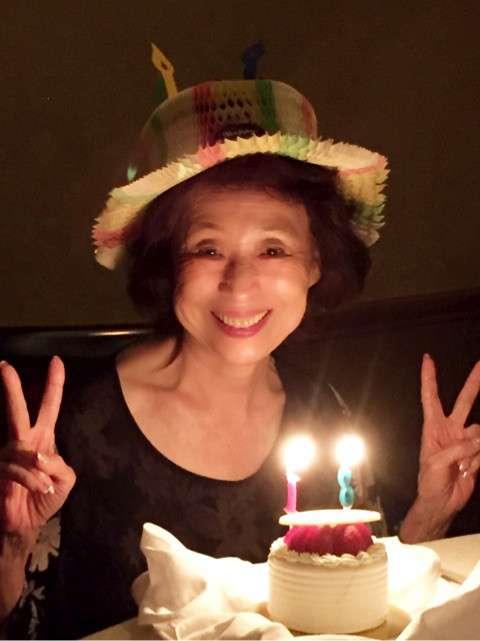 森口博子 81歳の母が「可愛すぎ」「若すぎ」と話題、4姉妹でサプライズ誕生会