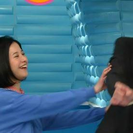 吉高由里子 坂口健太郎を妊娠中の小熊美香アナに向け押し飛ばす