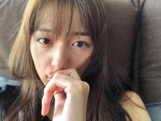 【エンタがビタミン♪】川口春奈のセルフィーに心配の声「やつれすぎじゃないですか?」 | Techinsight(テックインサイト)|海外セレブ、国内エンタメのオンリーワンをお届けするニュースサイト