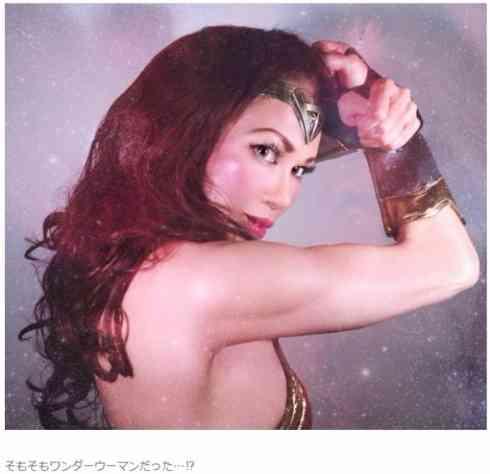 """筋肉まで再現! 叶恭子の """"ワンダーウーマン""""コスが本物以上の何かを感じさせる"""