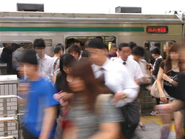 JR埼京線で女性取り囲み集団痴漢疑い 4人逮捕、ネットで集まる? - 産経ニュース