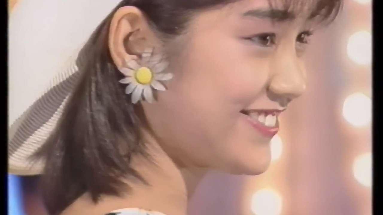 西田ひかる 恋は白いTシャツ - YouTube