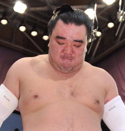 日馬富士「深くおわび」貴ノ岩への暴行認め謝罪 (日刊スポーツ) - Yahoo!ニュース