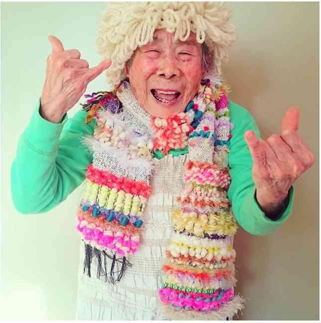 93歳でインスタアイドル!編み物モデルのおばあちゃんが可愛すぎると話題に