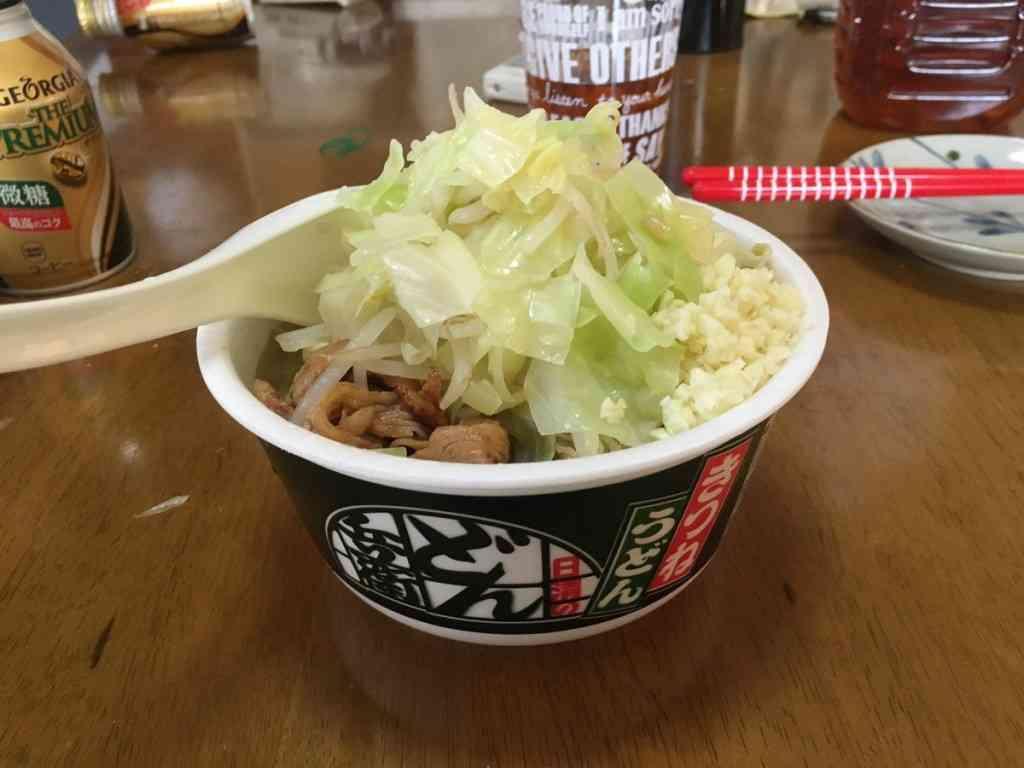 「どん兵衛」が「ラーメン二郎」に大変身するレシピがネットで大反響!