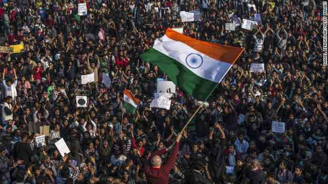 CNN.co.jp : 少女2人を強姦殺人か、国内外で非難 インド