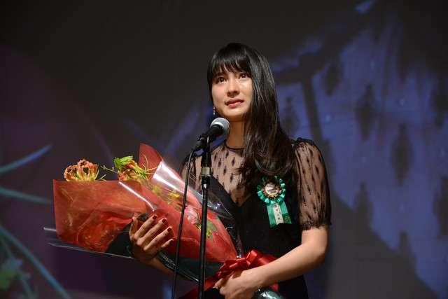土屋太鳳がTAMA映画賞で新進女優賞を獲得し涙、石橋静河は意気込み語る - 映画ナタリー